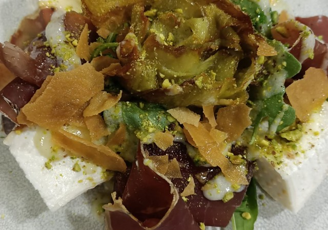Artichoke, jerky, Parmesan cream and pistachios